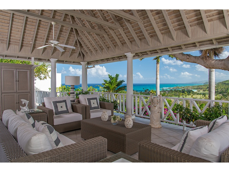 Beautiful fully furnished veranda - just steps away to your own private pool!