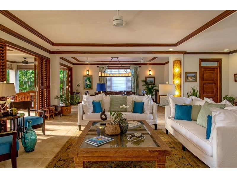 Inside living area at Makana - adjacent to the indoor dining area