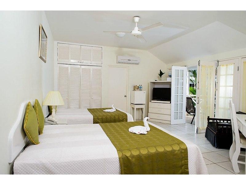 jamaica negril villas rondel village guest rooms villas in jamaica